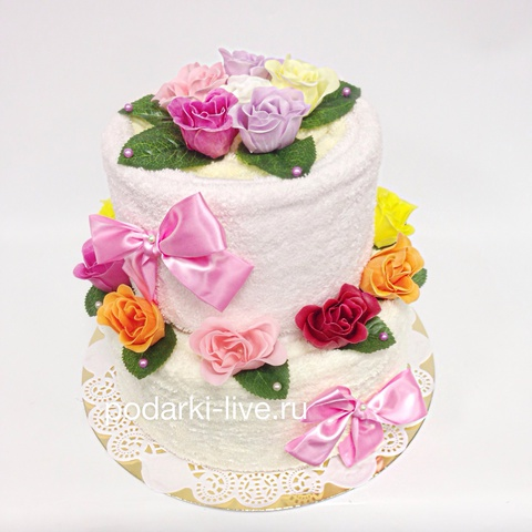 Торт из полотенец с цветами из мыла
