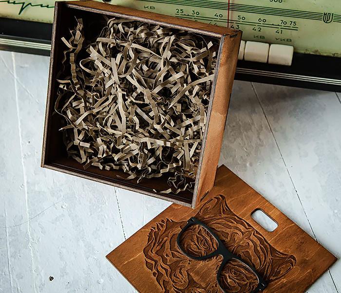 BOX249-2 Подарочная коробка из дерева с тигром в очках (17*17*7 см) фото 06