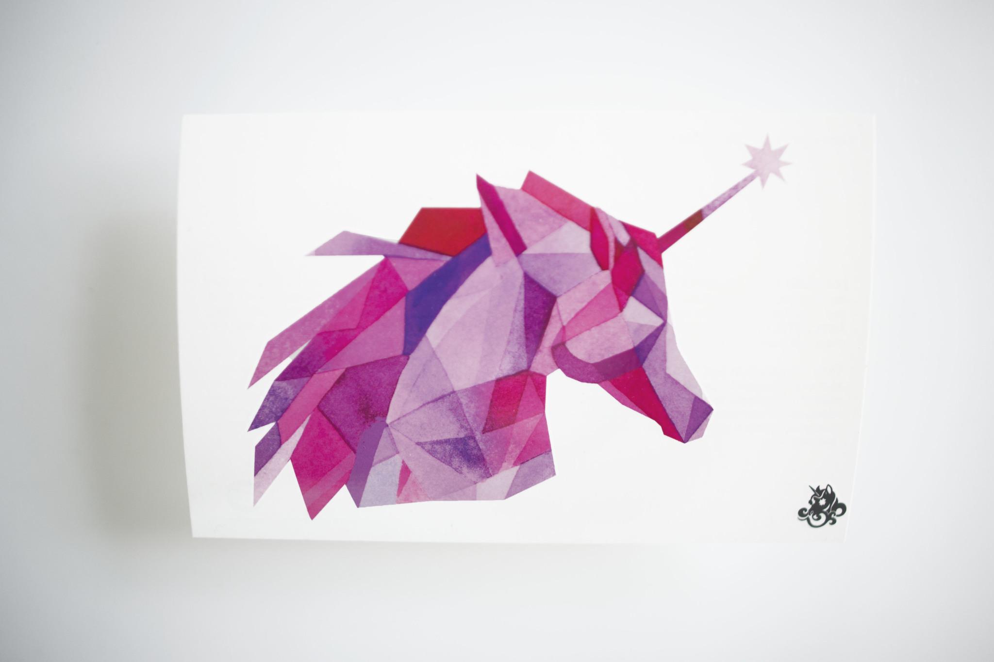 Переводная татуировка Glowing Unicorn
