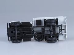GAZ-52-84 white 1:43 Nash Avtoprom