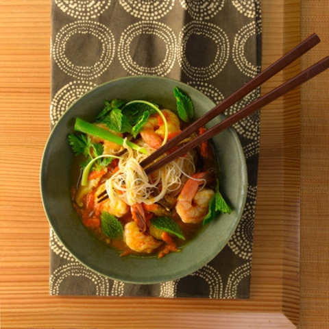 https://static-eu.insales.ru/images/products/1/6304/9689248/0395433001334144041_Rice_noodles___shrimp_soup.jpg