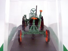 Tractor Universal VTZ 1930 1:43 Hachette #4