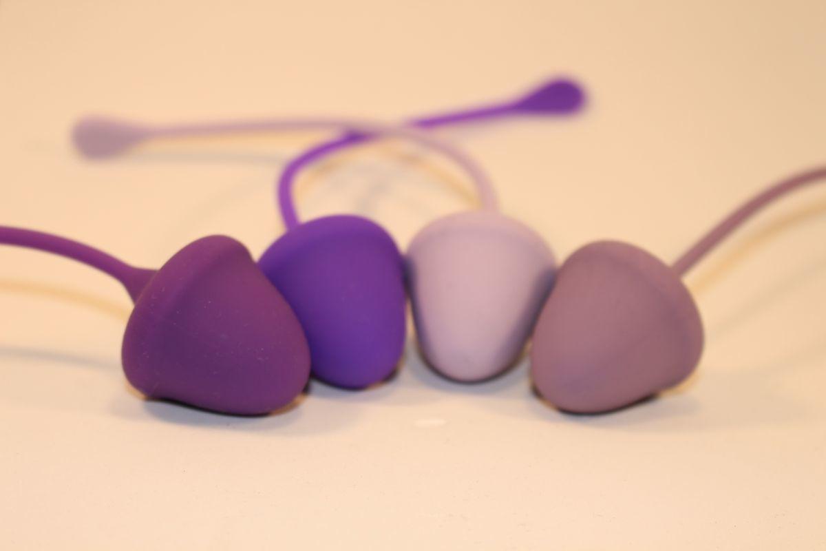 Вагинальные шарики: Набор из 4 вагинальных шариков разного веса фото