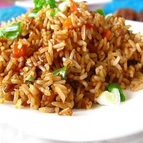 https://static-eu.insales.ru/images/products/1/6322/9689266/0141396001339239242_fried_rice.jpg