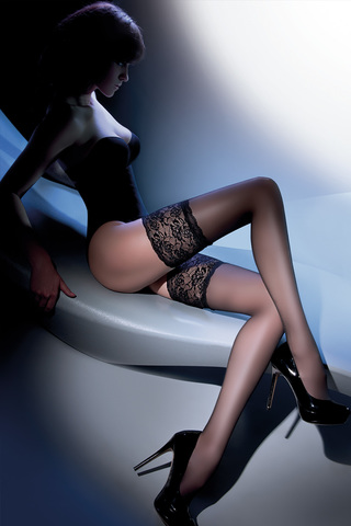 Эротические чулки 15 den черные с широкой кружевной резинкой на силиконе
