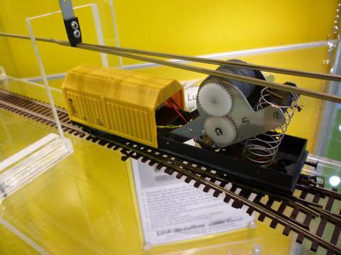 Lux-Modellbau 9130 Вагон для чистки рельс и контактной сети, НО, для Marklin переменного тока Digital. Автоматический старт / стоп на основе движения