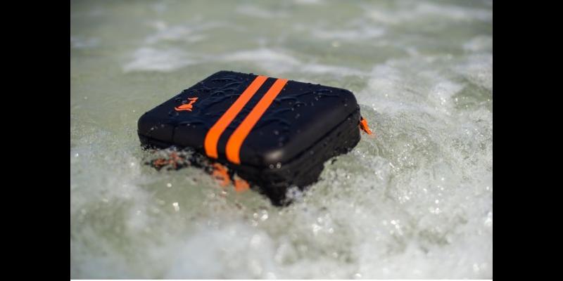 Кейс водостойкий SP POV Waterproof Case 3.0 black на природе