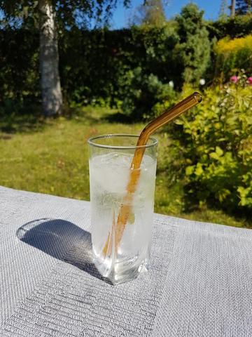 Трубочка стеклянная изогнутая
