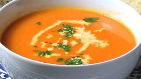 https://static-eu.insales.ru/images/products/1/6331/9689275/0638388001332660767_Tomato_soup.jpg