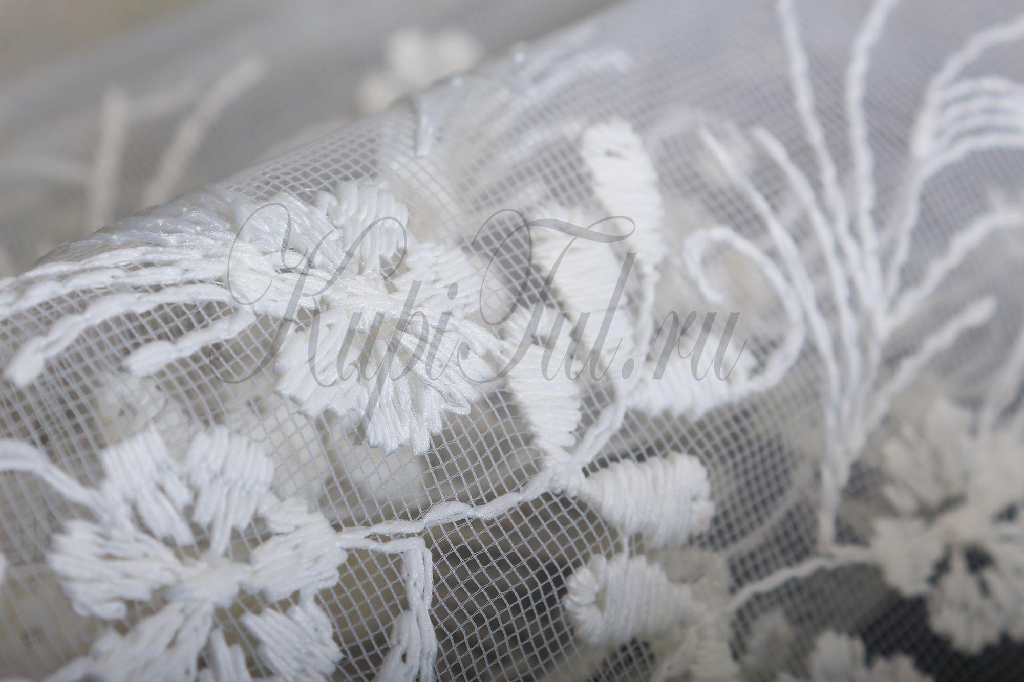 Микросетка с вышивкой Весна (молочный)