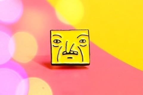 Значок Кубик жёлтый (ШКЯ)