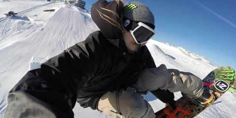 Крепление на руку GoPro Hand + Wrist Strap (AHWBM-002) зимой