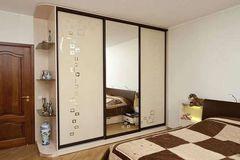 Шкаф 3-х дверный, ширина 210 см (зеркало + ЛДСП)