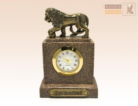 часы Лев с шаром - Гранит