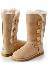 /collection/zhenskie-uggi/product/ugg-bailey-button-triplet-sand-2