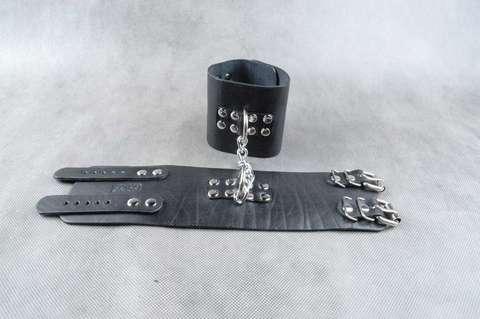 Кожаные наножники БДСМ с фиксирующей цепочкой