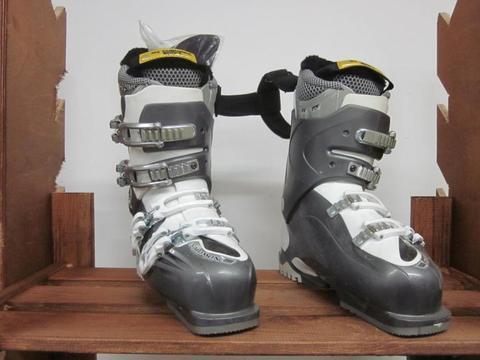Ботинки горнолыжные новые Salomon купить дешево в Москве , доставка по всей России.