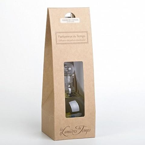 Диффузор с бамбуковыми палочками в картонной коробке