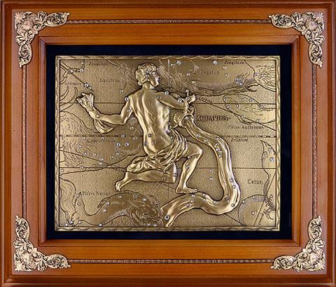 Панно из металла в деревянной рамке