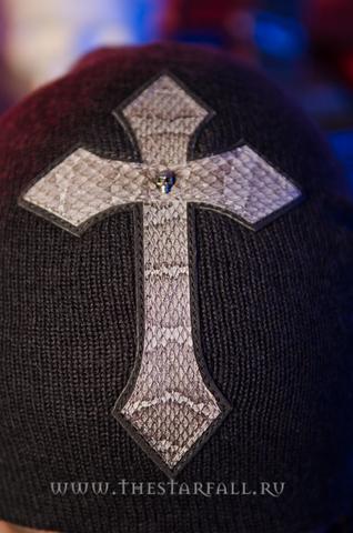 Шапка «Holy» от 7.17 Studio Luxuryс крестом из кожи кобры