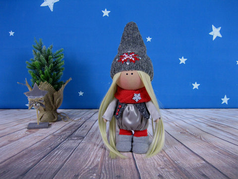 Лялька Естер. Колекція La Petite.