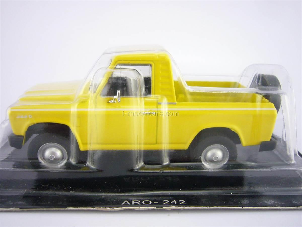 Aro 242 pickup truck 1:43 DeAgostini Auto Legends USSR #177