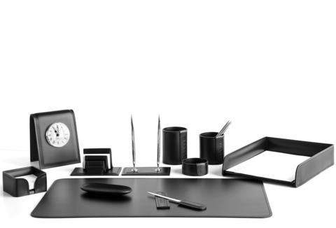 Набор 11 предметов на стол руководителя с настольными часами.