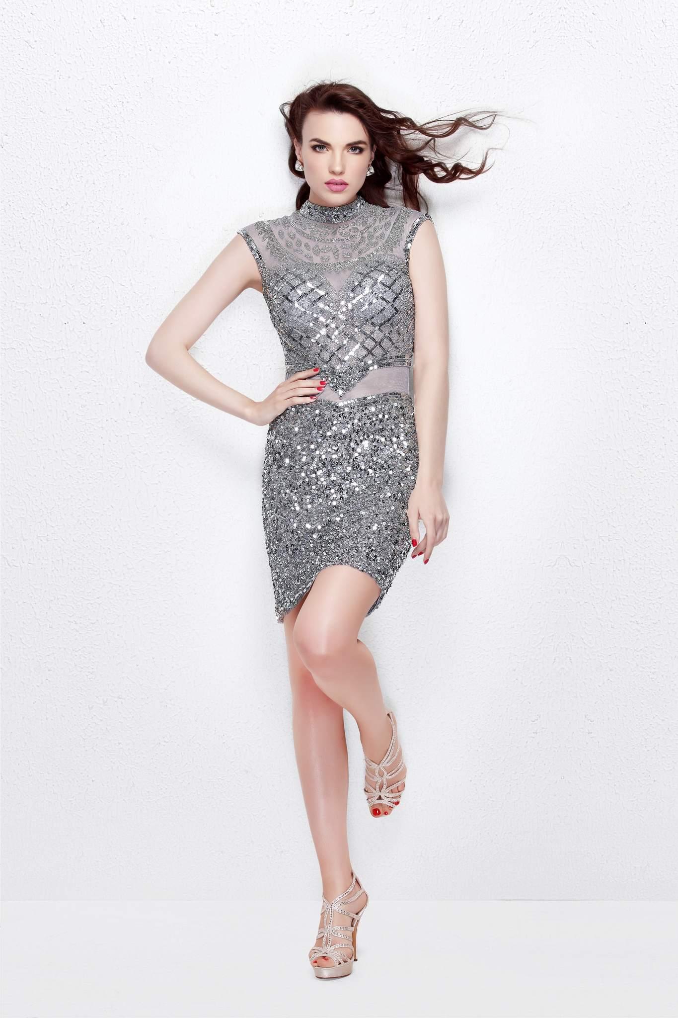 Короткое платье Etelle 16621