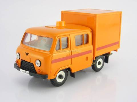 UAZ-39094 Farmer Emergency Service van plastic orange Agat Mossar Tantal 1:43