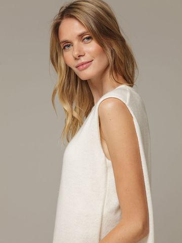 Женское белое платье свободного кроя без рукавов из 100% кашемира - фото 4
