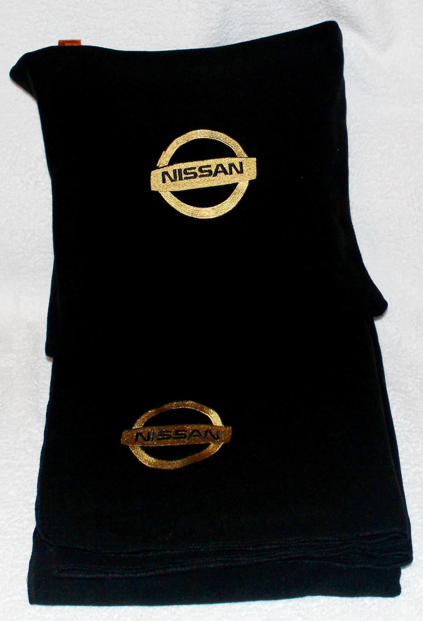 Плед в чехле с логотипом Nissan