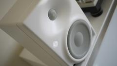Neumann KH 120 AW белый активный студийный монитор