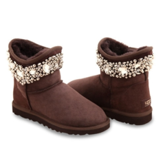 /collection/jimmy-choo-snow-boots/product/ugg-jimmy-choo-crystal-chocolate