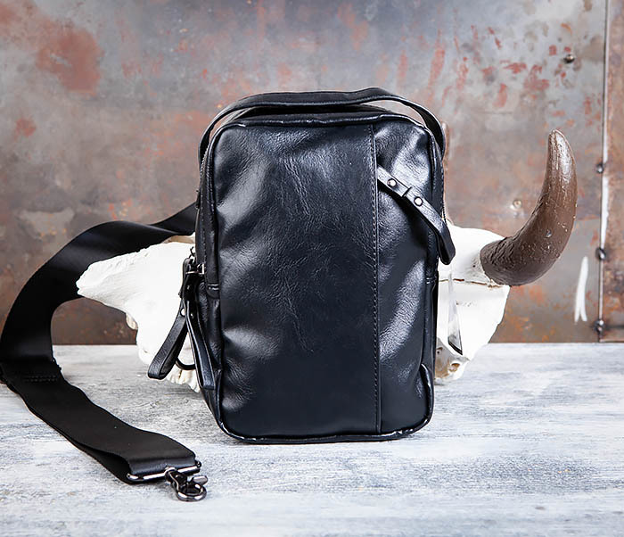 BAG452-1 Мужской рюкзак черного цвета с одной лямкой фото 02