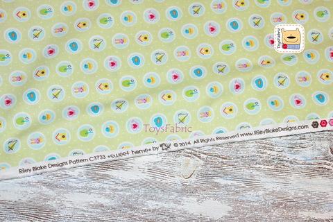 Ткань для пэчворка 20774 (значки на салатовом) 45х55