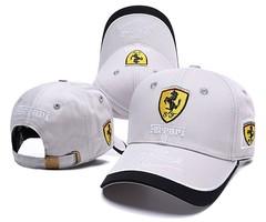 Кепка с вышитым логотипом Феррари (Кепка Ferrari) светло-серая