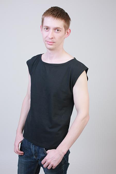 Выкройка мужской футболки со спущенной проймой фото