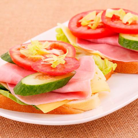 Сэндвич-тост c копченой курицей