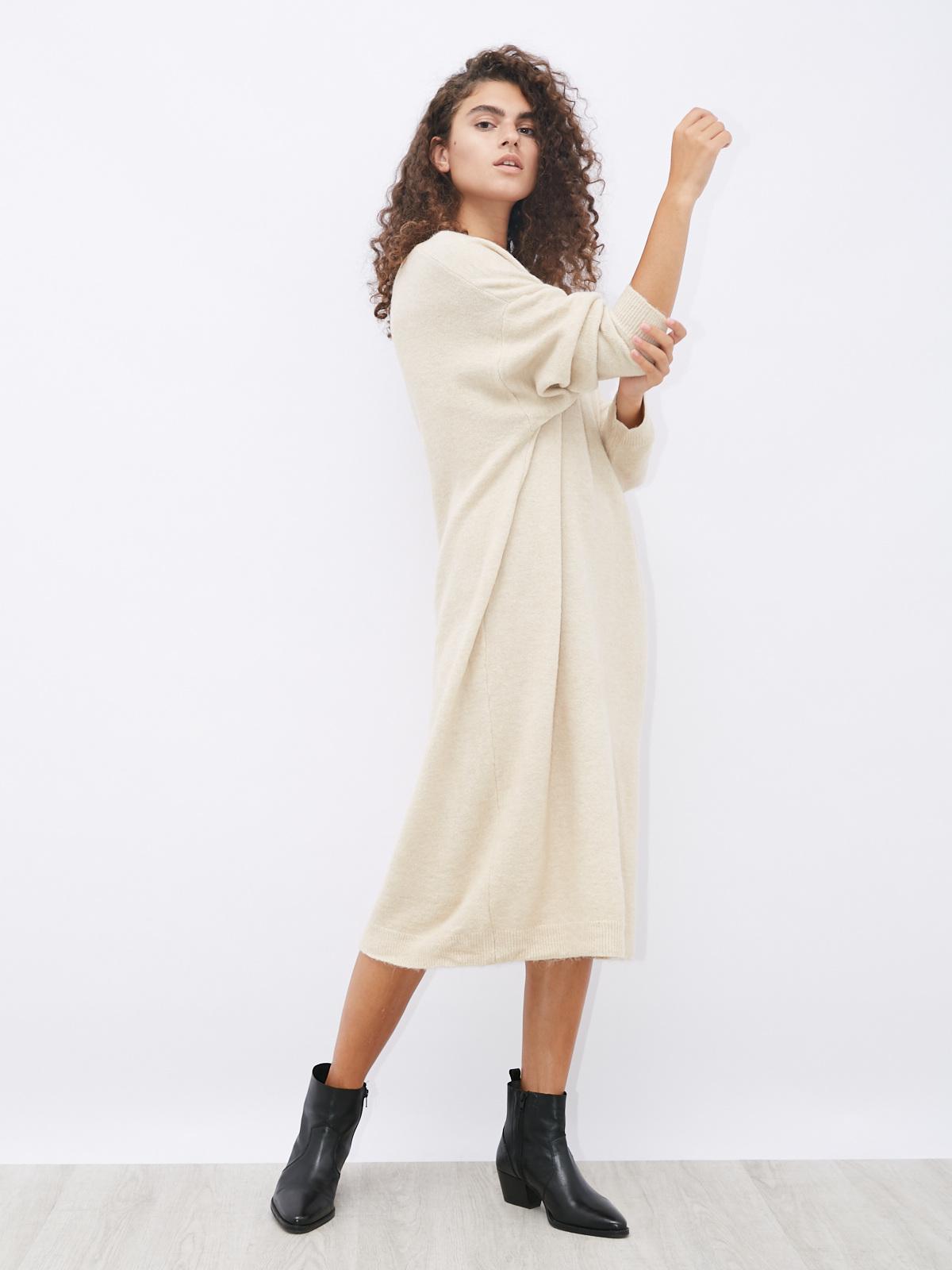 Платье шерстяное прямое