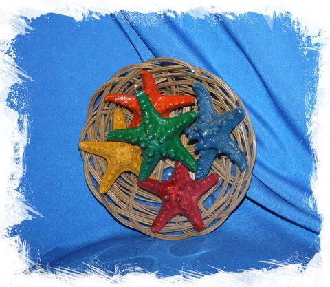 Набор цветных морских звезд в корзинке 16 см