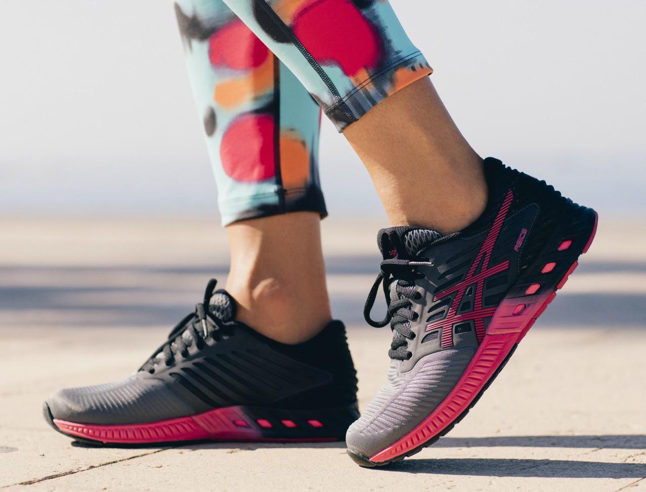 Женские кроссовки для бега Asics FuzeX (T689N 9721) серые