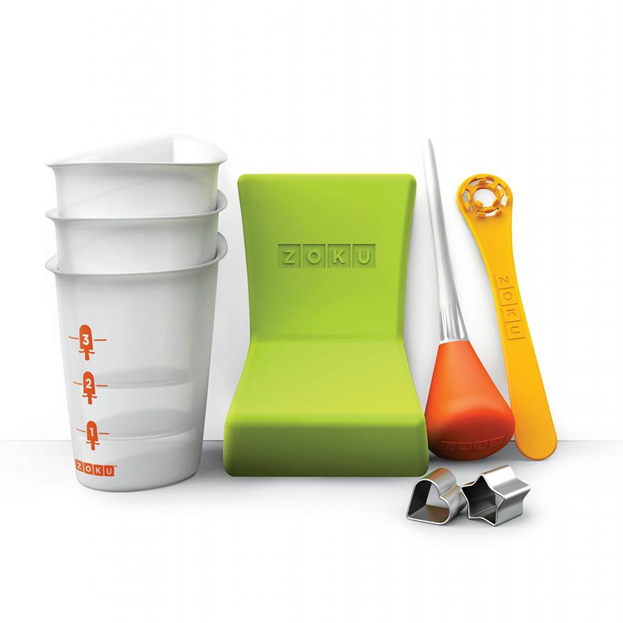 Набор инструментов для приготовления мороженого Zoku Quick Pop Tools ZK103Посуда для приготовления<br>Набор инструментов для приготовления мороженого Zoku Quick Pop Tools ZK103<br><br>Почувствуйте себя настоящим художником с помощью набора инструментов Quick Pop Tools! Создавайте свои собственные съедобные творения украшая десерты забавными рисунками уникальными орнаментами полосами и зигзагами. Никогда ранее это не было настолько просто! Теперь каждая порция будет иметь свой оригинальный дизайн который зависит исключительно от полета вашей фантазии. Это удивительная возможность проявить себя и хороший способ привлечь к веселому занятию своих детей. Набор включает в себя: - 3 стаканчика с мерной шкалой  - 1 трафарет «сердце»  - 1 трафарет «звезда»  - 1 палочка для фруктов  - 1 сифон  - 1 угловой лоток.<br>