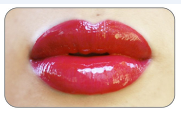 Блеск для губ Read My Lips lipgloss