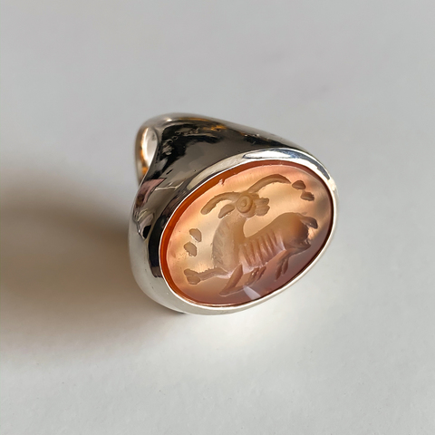Signet ring with intaglio 16 (carnelian, oval)