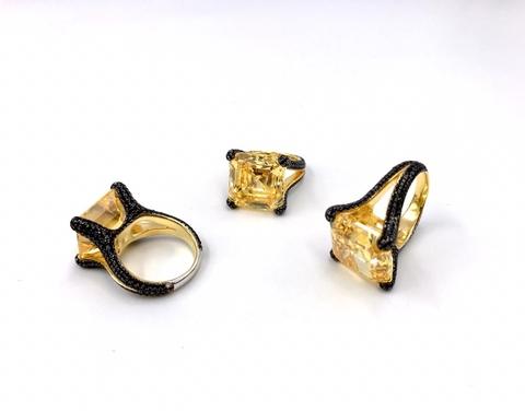 Кольцо из серебра с желтыми и черными цирконами