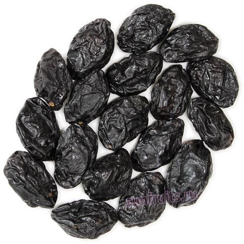Спелый чернослив натуральной сушки