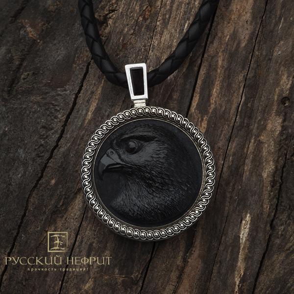 Кулон Сокол из чёрного нефрита.