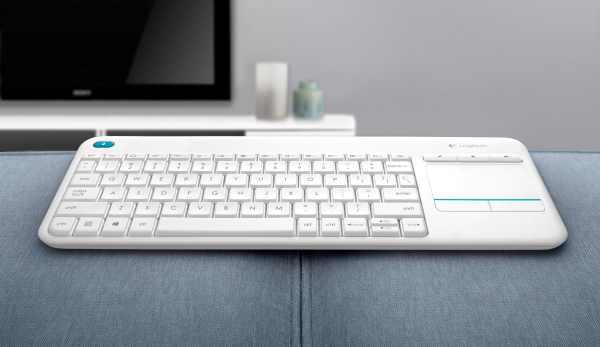 Logitech K400 plus white
