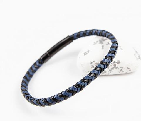 Плетеный мужской браслет из черной и синей кожи
