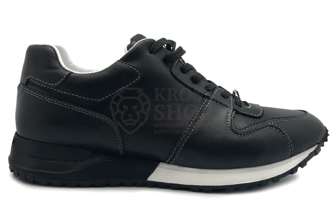 Louis Vuitton Men's Black/White